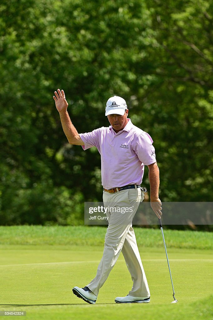 <a gi-track='captionPersonalityLinkClicked' href=/galleries/search?phrase=Olin+Browne&family=editorial&specificpeople=224617 ng-click='$event.stopPropagation()'>Olin Browne</a> waves to fans after sinking a putt on the 16th hole during the first round 2016 Senior PGA Championship presented by KitchenAid at the Golf Club at Harbor Shores on May 26, 2016 in Benton Harbor, Michigan.