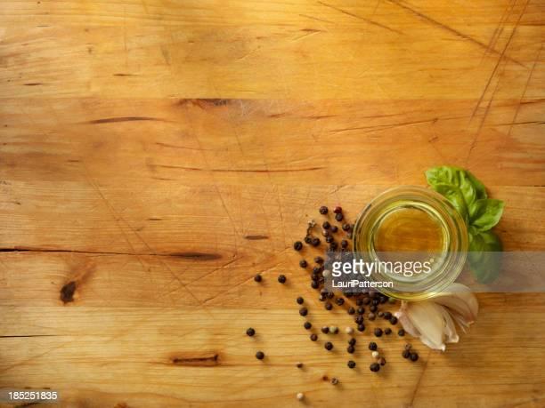 Aceite de oliva y hierbas frescas