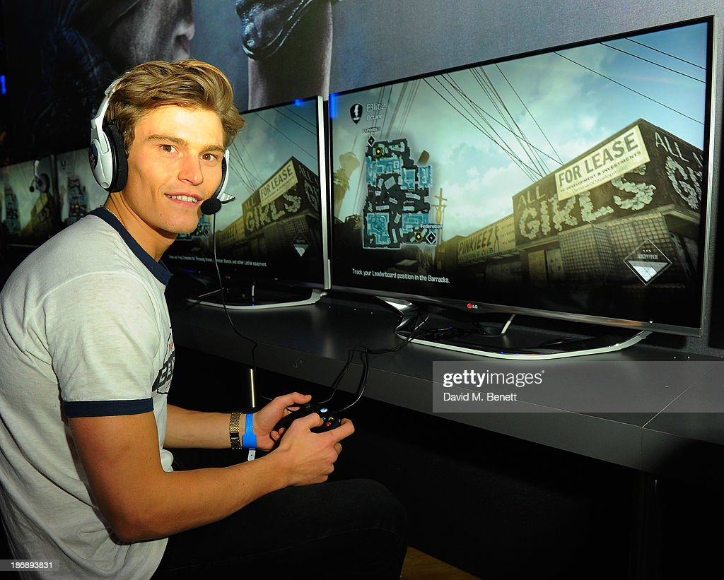 <a gi-track='captionPersonalityLinkClicked' href=/galleries/search?phrase=Oliver+Cheshire&family=editorial&specificpeople=7407100 ng-click='$event.stopPropagation()'>Oliver Cheshire</a> playing the latest release from Activision, at the Call of Duty: Ghosts launch event at IndigO2 on November 4, 2013 in London, England. The game launches on Tuesday 5th November 2013 #GhostsLaunch.
