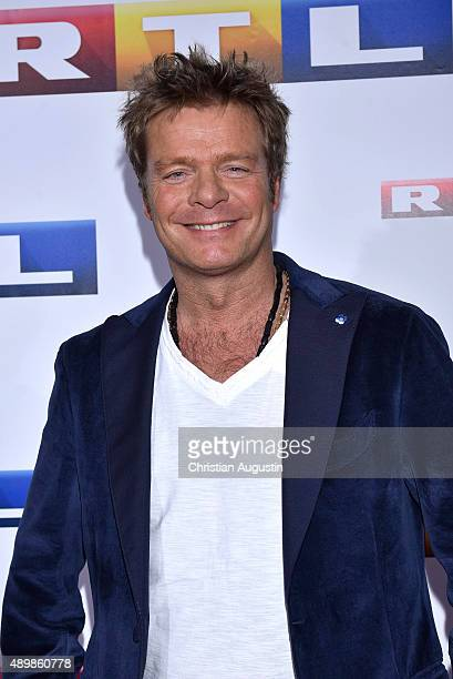 Oliver Geissen attends RTL Program Presentation and premiere of TV Production 'Deutschland 83' at Curiohaus on September 24 2015 in Hamburg Germany