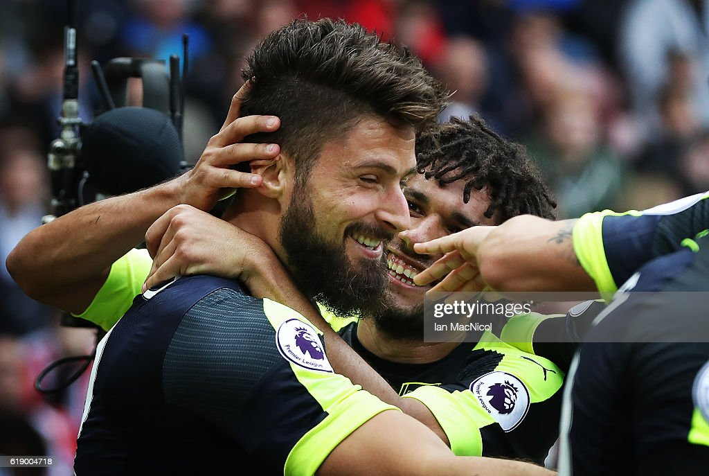 Oliver Giroud of Arsenal celebrates after he scores his second goal during the Premier League match between Sunderland and Arsenal at Stadium of Light on October 29, 2016 in Sunderland, England.