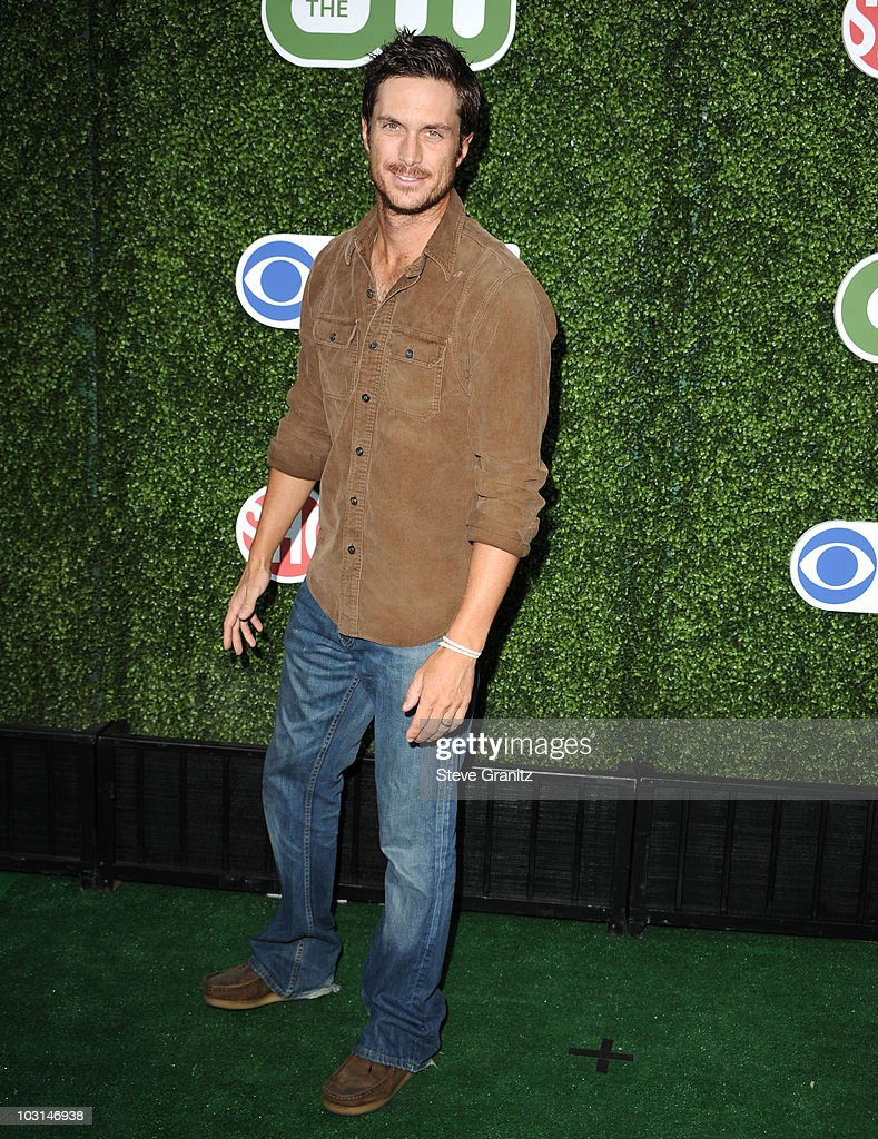 Oliver Hudson attends the 2010 CBS Summer Press Tour Party at The Tent on July 28 2010 in Beverly Hills California