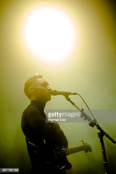 Oliver Sim from The XX performs at Lollapalooza Brazil day 1 at Autodromo de Interlagos on March 25 2017 in Sao Paulo Brazil