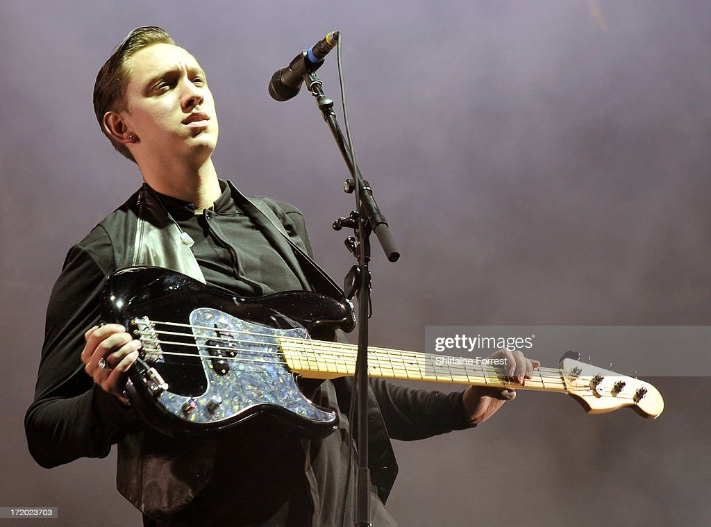 <a gi-track='captionPersonalityLinkClicked' href=/galleries/search?phrase=Oliver+Sim&family=editorial&specificpeople=6078321 ng-click='$event.stopPropagation()'>Oliver Sim</a> of The xx performs headlining The Other Stage at day 4 of the 2013 Glastonbury Festival at Worthy Farm on June 30, 2013 in Glastonbury, England.