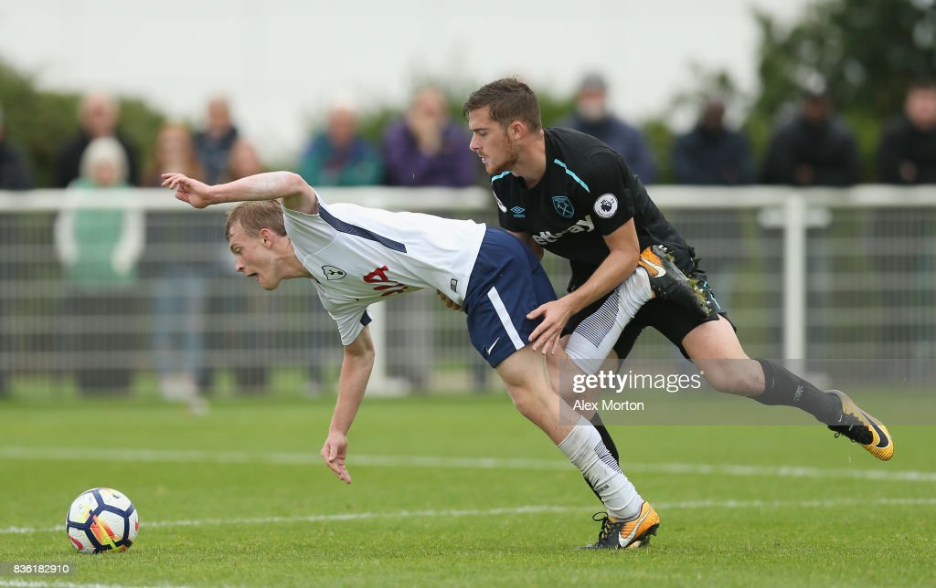 Oliver Skipp of Tottenham and Antonio Martinez of West Ham during the Premier League 2 match between Tottenham Hotspur and West Ham United at Tottenham Hotspur Training Centre on August 21, 2017 in Enfield, England.