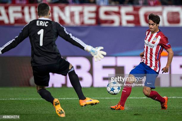 Oliver Torres of Atletico de Madrid scores their third goal during the UEFA Champions League Group C match between Club Atletico de Madrid and FC...