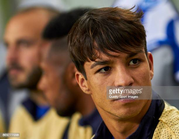 Oliver Torres of FC Porto looks on prior to the UEFA Champions League group G match between FC Porto and RB Leipzig at Estadio do Dragao on November...