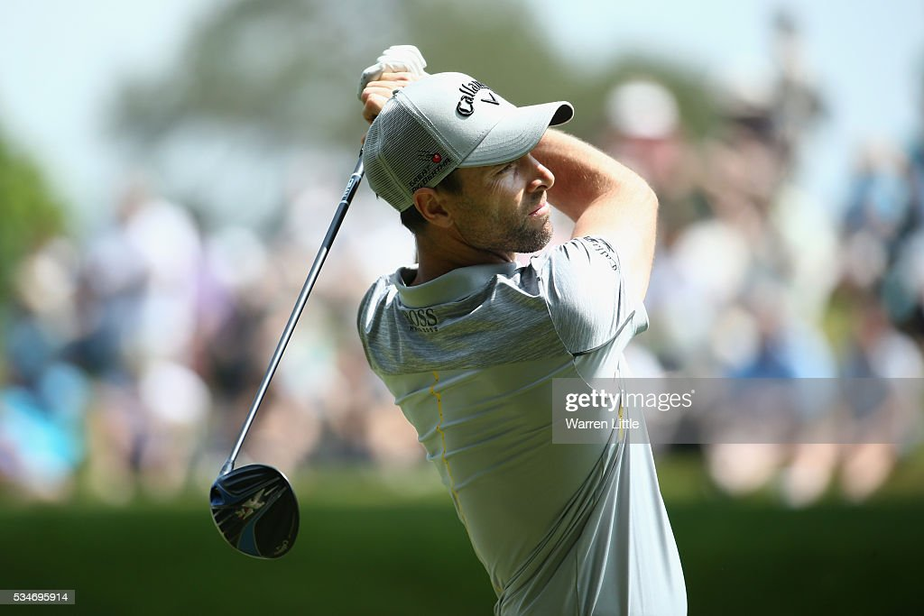 <a gi-track='captionPersonalityLinkClicked' href=/galleries/search?phrase=Oliver+Wilson&family=editorial&specificpeople=196534 ng-click='$event.stopPropagation()'>Oliver Wilson</a> of England tees off on the 3rd hole during day two of the BMW PGA Championship at Wentworth on May 27, 2016 in Virginia Water, England.