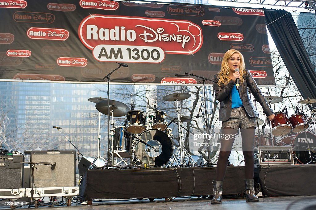 <a gi-track='captionPersonalityLinkClicked' href=/galleries/search?phrase=Olivia+Holt&family=editorial&specificpeople=7563645 ng-click='$event.stopPropagation()'>Olivia Holt</a> attends the 2012 Magnificent Mile Lights Festival on November 17, 2012 in Chicago, Illinois.