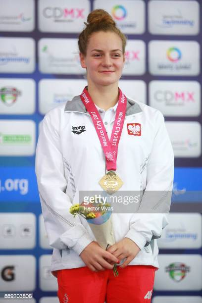 Olivia Jabslonka of Poland Gold Medal in women's 400 m Freestyle S10 during day 7 of the Para Swimming World Championship Mexico City 2017 at...