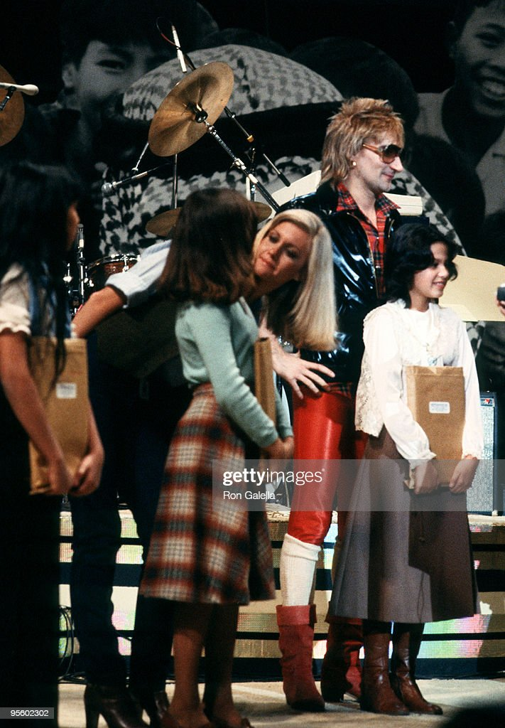 Olivia Newton John and Rod Stewart