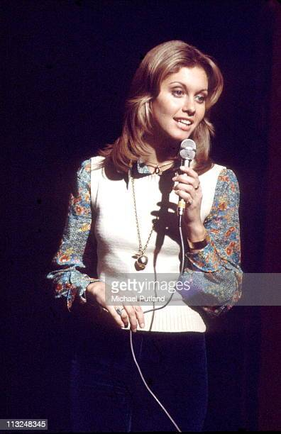 Olivia NewtonJohn performs on stage London 1974