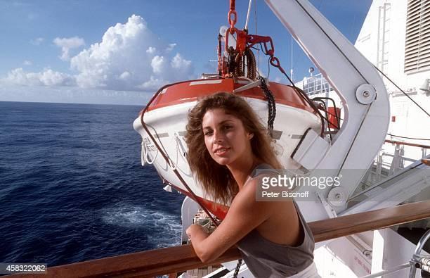 Olivia Pascal am Rande der Dreharbeiten zur ZDFReihe 'Traumschiff' Folge 15 'Brasilien' auf Kreuzfahrtschiff MS 'Berlin' am in Brasilien