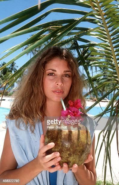 Olivia Pascal am Rande der Dreharbeiten zur ZDFReihe 'Traumschiff' Folge 15 'Brasilien' am in Praia do Forte bei Salvador de Bahia Brasilien