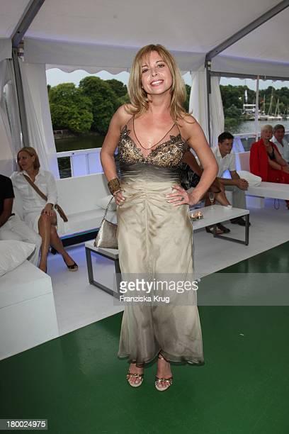 Olivia Pascal Bei Der Abendgala Zum Bmw Sailing Cup Auf Der 'Ms La Paloma' Auf Dem Wannsee Bei Berlin