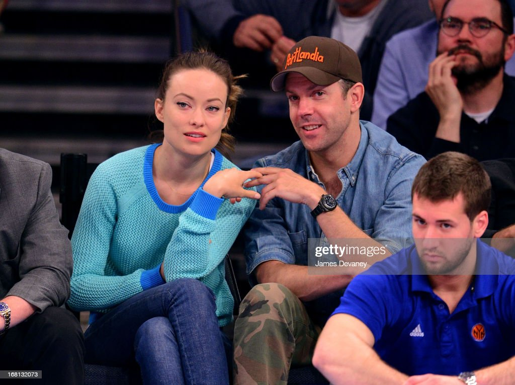 <a gi-track='captionPersonalityLinkClicked' href=/galleries/search?phrase=Olivia+Wilde&family=editorial&specificpeople=235399 ng-click='$event.stopPropagation()'>Olivia Wilde</a> and <a gi-track='captionPersonalityLinkClicked' href=/galleries/search?phrase=Jason+Sudeikis&family=editorial&specificpeople=4232997 ng-click='$event.stopPropagation()'>Jason Sudeikis</a> attend the New York Knicks vs Indiana Pacers NBA playoff game at Madison Square Garden on May 5, 2013 in New York City.
