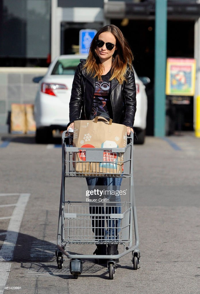 <a gi-track='captionPersonalityLinkClicked' href=/galleries/search?phrase=Olivia+Wilde&family=editorial&specificpeople=235399 ng-click='$event.stopPropagation()'>Olivia Wilde</a> is seen shopping at Whole Foods on January 08, 2014 in Los Angeles, California.