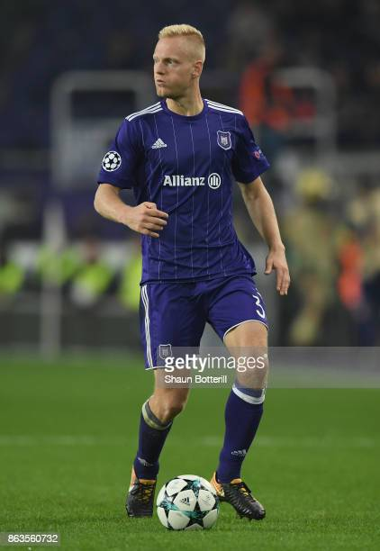Olivier Deschacht of RSC Anderlecht runs with the ball during the UEFA Champions League group B match between RSC Anderlecht and Paris SaintGermain...