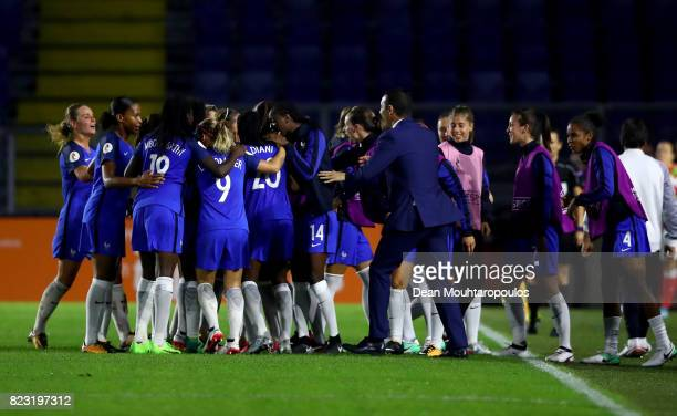 Olivier Echouafni head coach of France celebrate with the team during the Group C match between Switzerland and France during the UEFA Women's Euro...