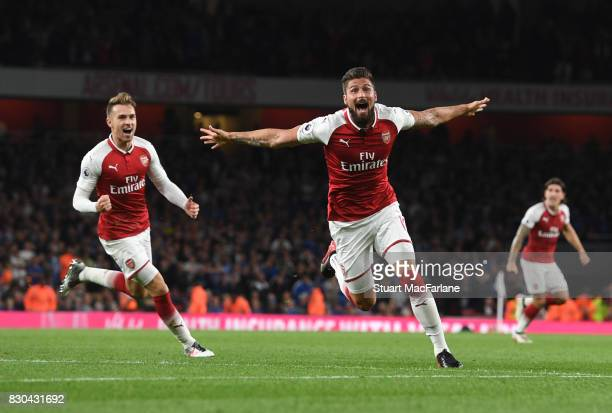 Olivier Giroud celebrates scoring the 4th Arsenal goal during the Premier League match between Arsenal and Leicester City at Emirates Stadium on...