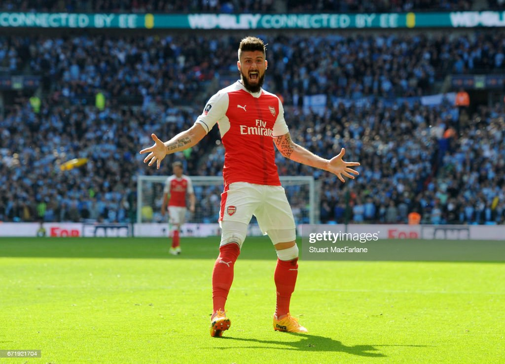 Olivier Giroud celebrates the 1st Arsenal goal during the Emirates FA Cup Semi-Final match between Arsenal and Manchester City at Wembley Stadium on April 23, 2017 in London, England.