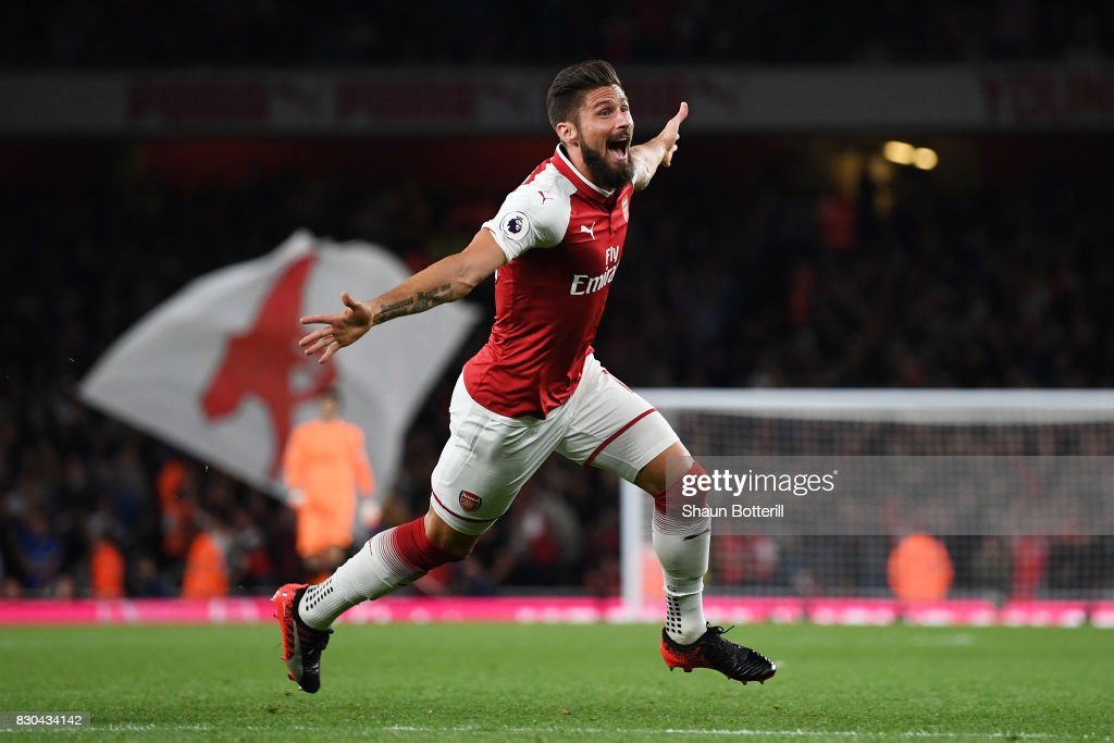 Olivier Giroud of Arsenal celebrates after scoring his team's fourth goal during the Premier League match between Arsenal and Leicester City at the Emirates Stadium on August 11, 2017 in London, England.