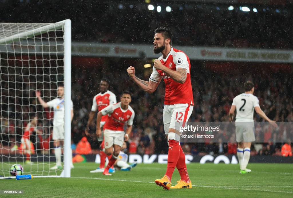 Olivier Giroud of Arsenal celebrates his sides second goal during the Premier League match between Arsenal and Sunderland at Emirates Stadium on May 16, 2017 in London, England.
