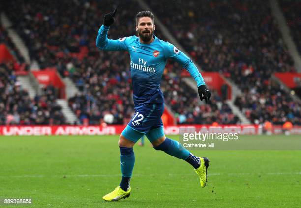 Olivier Giroud of Arsenal celebrates scoring his side's first goal during the Premier League match between Southampton and Arsenal at St Mary's...