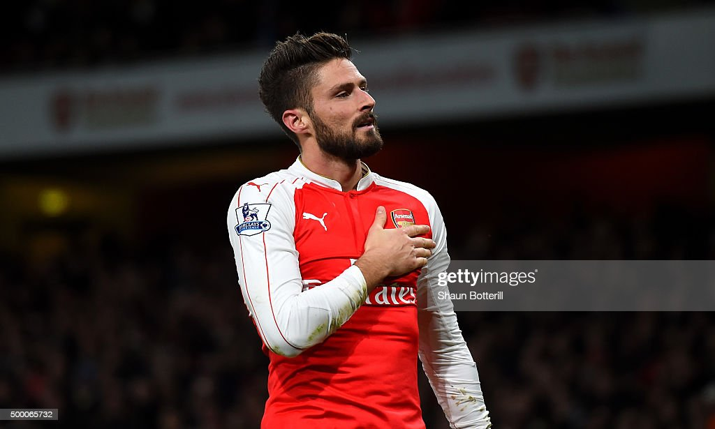 <a gi-track='captionPersonalityLinkClicked' href=/galleries/search?phrase=Olivier+Giroud&family=editorial&specificpeople=5678034 ng-click='$event.stopPropagation()'>Olivier Giroud</a> of Arsenal celebrates scoring his team's second goal during the Barclays Premier League match between Arsenal and Sunderland at Emirates Stadiumon December 5, 2015 in London, England.