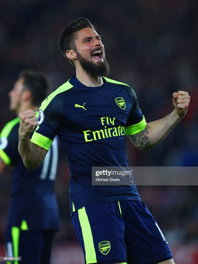Olivier Giroud of Arsenal celebrates scoring his team's second goal during the Premier League match between Southampton and Arsenal at St Mary's Stadium on May 10, 2017 in Southampton, England.