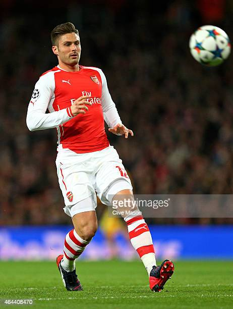 Olivier Giroud of Arsenal controls the ball during the UEFA Champions League round of 16 first leg match between Arsenal and Monaco at The Emirates...