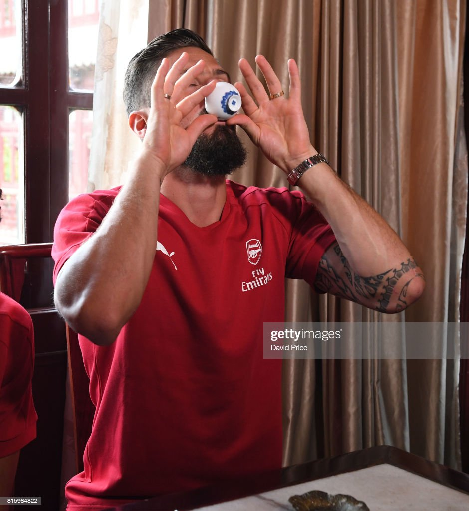 Olivier Giroud of Arsenal experiences a Chinese Tea Ceremony at LvBo Lang Restaurant in Yuyuan Gardens on July 17, 2017 in Shanghai, China.