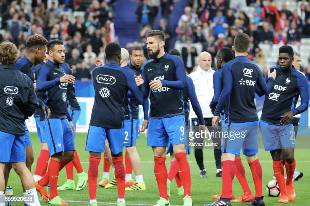 Olivier Giroud of France and teammattes during the Friendly game between France and Spain at Stade de France on march 28 2017 in Paris France