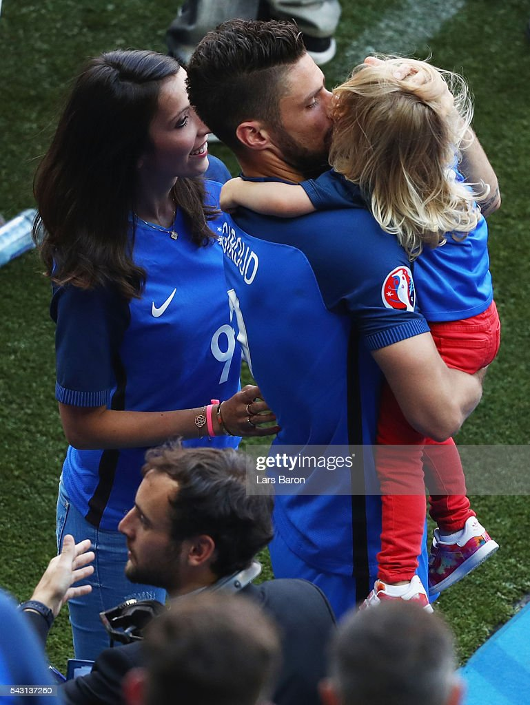 <a gi-track='captionPersonalityLinkClicked' href=/galleries/search?phrase=Olivier+Giroud&family=editorial&specificpeople=5678034 ng-click='$event.stopPropagation()'>Olivier Giroud</a> (C) of France cleebrates his team's 2-1 win with his wife Jennifer (L) and daughter Jade (L) after the UEFA EURO 2016 round of 16 match between France and Republic of Ireland at Stade des Lumieres on June 26, 2016 in Lyon, France.