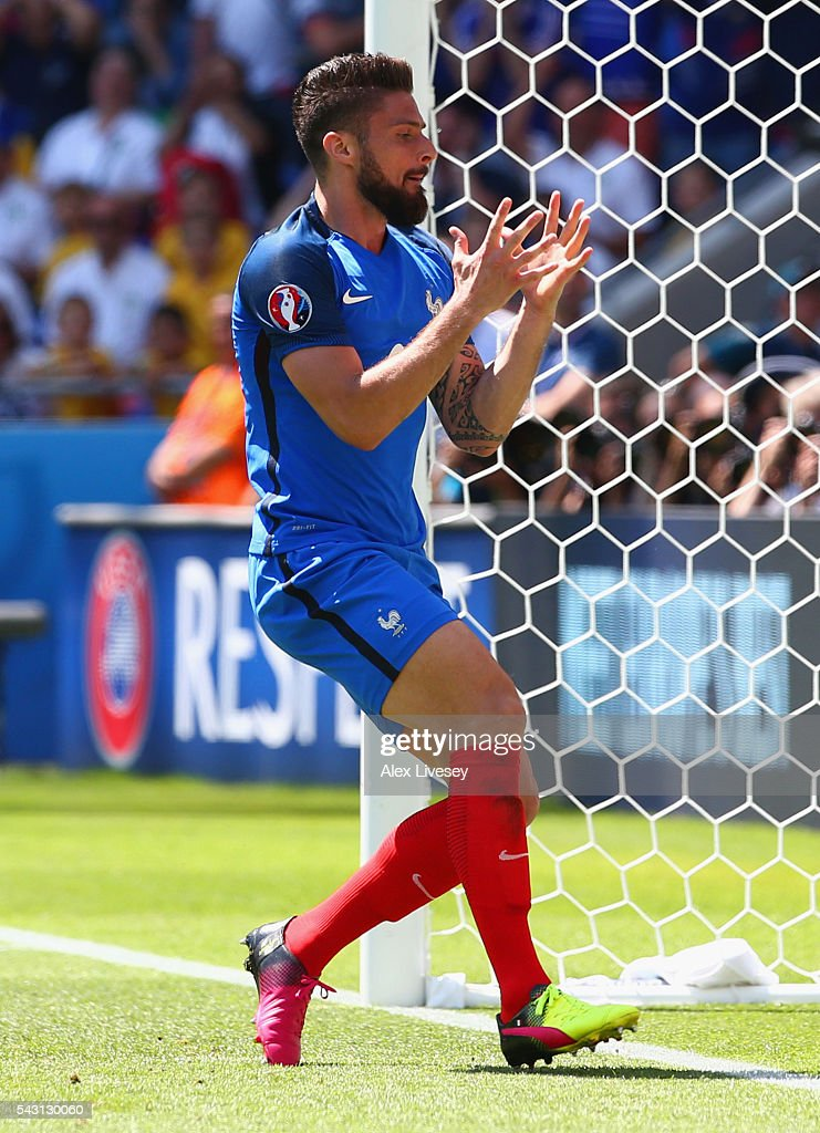 <a gi-track='captionPersonalityLinkClicked' href=/galleries/search?phrase=Olivier+Giroud&family=editorial&specificpeople=5678034 ng-click='$event.stopPropagation()'>Olivier Giroud</a> of France reacts during the UEFA EURO 2016 round of 16 match between France and Republic of Ireland at Stade des Lumieres on June 26, 2016 in Lyon, France.