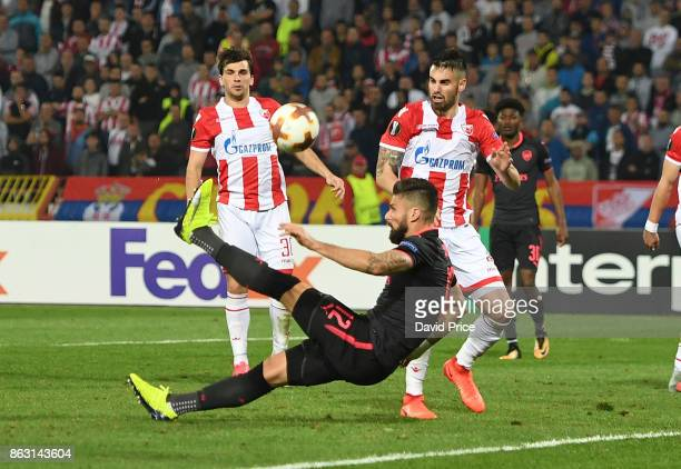 Olivier Giroud scores a goal for Arsenal during the UEFA Europa League group H match between Crvena Zvezda and Arsenal FC at Rajko Mitic Stadium on...