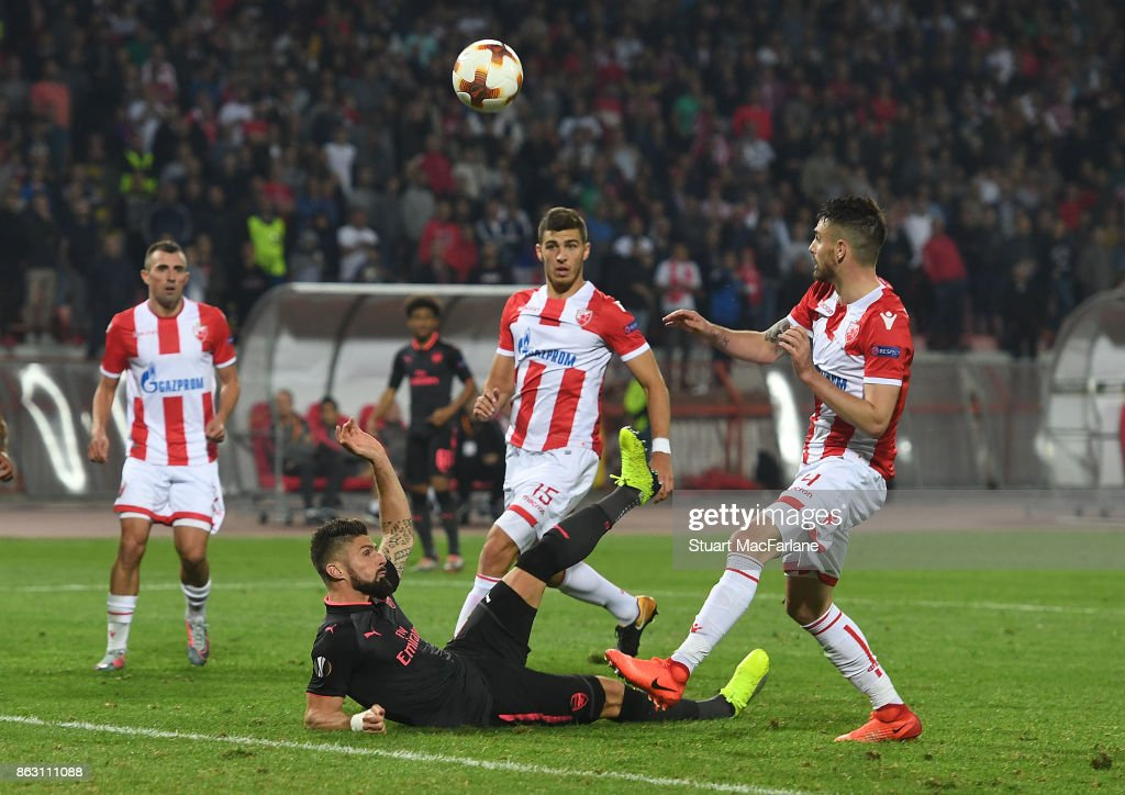 Olivier Giroud scores for Arsenal during the UEFA Europa League group H match between Crvena Zvezda and Arsenal FC at Rajko Mitic Stadium on October 19, 2017 in Belgrade, Serbia.