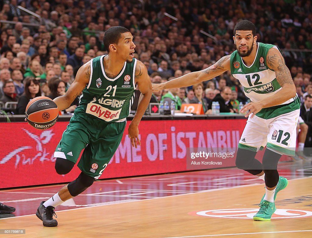 <a gi-track='captionPersonalityLinkClicked' href=/galleries/search?phrase=Olivier+Hanlan&family=editorial&specificpeople=10135196 ng-click='$event.stopPropagation()'>Olivier Hanlan</a>, #21 of Zalgiris Kaunas competes with James Feldeine, #12 of Panathinaikos Athens in action during the Turkish Airlines Euroleague Basketball Regular Season Round 10 game between Zalgiris Kaunas v Panathinaikos Athens at Zalgirio Arena on December 17, 2015 in Kaunas, Lithuania.