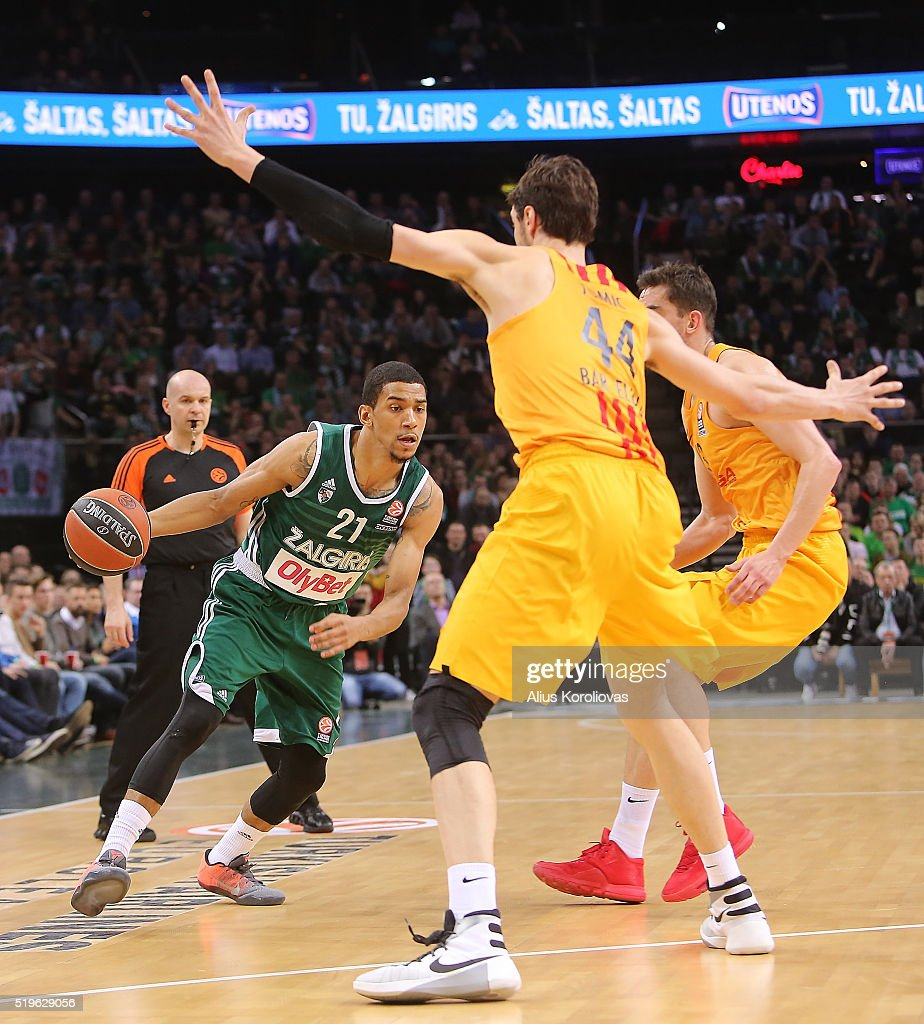 <a gi-track='captionPersonalityLinkClicked' href=/galleries/search?phrase=Olivier+Hanlan&family=editorial&specificpeople=10135196 ng-click='$event.stopPropagation()'>Olivier Hanlan</a>, #21 of Zalgiris Kaunas in action during the 2015-2016 Turkish Airlines Euroleague Basketball Top 16 Round 14 game between Zalgiris Kaunas v FC Barcelona Lassa at Zalgirio Arena on April 7, 2016 in Kaunas, Lithuania.