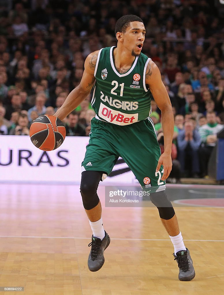 <a gi-track='captionPersonalityLinkClicked' href=/galleries/search?phrase=Olivier+Hanlan&family=editorial&specificpeople=10135196 ng-click='$event.stopPropagation()'>Olivier Hanlan</a>, #21 of Zalgiris Kaunas in action during the Turkish Airlines Euroleague Basketball Top 16 Round 6 game between Zalgiris Kaunas v CSKA Moscow at Zalgirio Arena on February 5, 2016 in Kaunas, Lithuania.