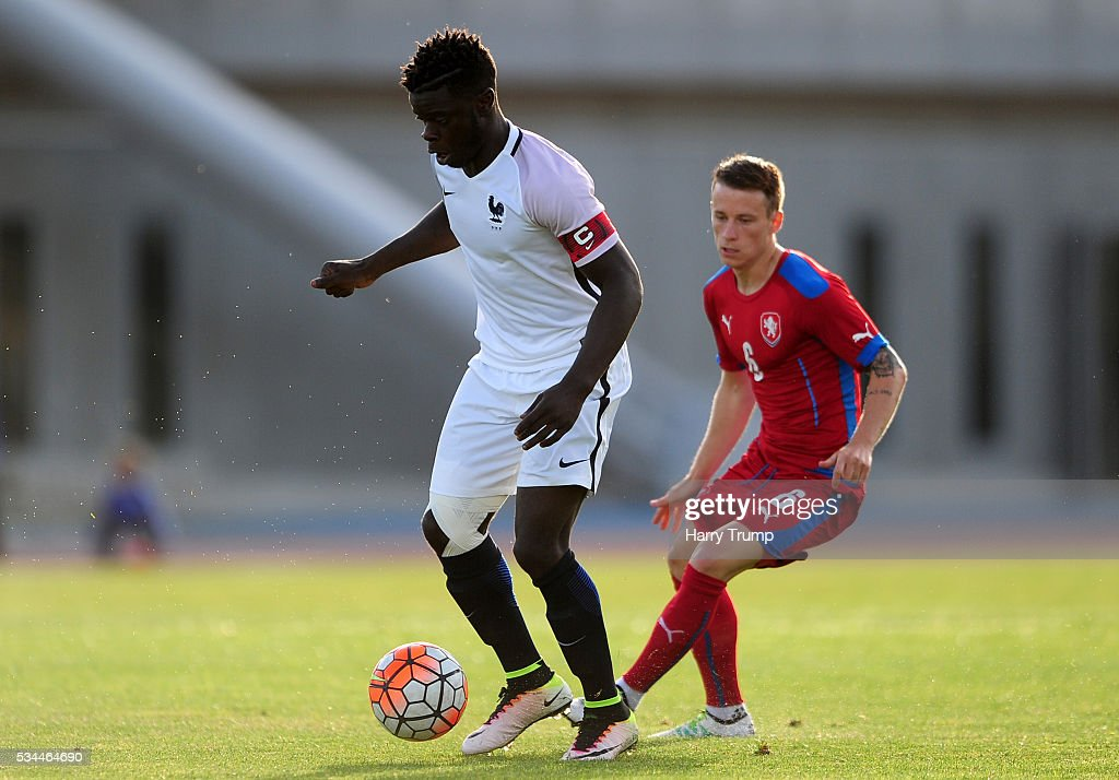 Olivier Kemen of France is tackled by Jan Sykora of Czech Republic during the Toulon Tournament match between France and Czech Republic at the Stade Leo Lagrange on May 26, 2016 in Toulon, France.