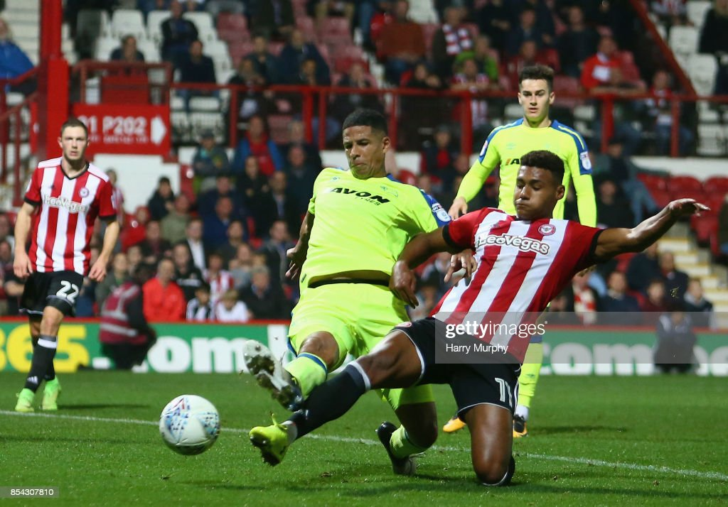 Ollie Watkins of Brentford scores his teams first goal during the Sky Bet Championship match between Brentford and Derby County at Griffin Park on September 26, 2017 in Brentford, England.