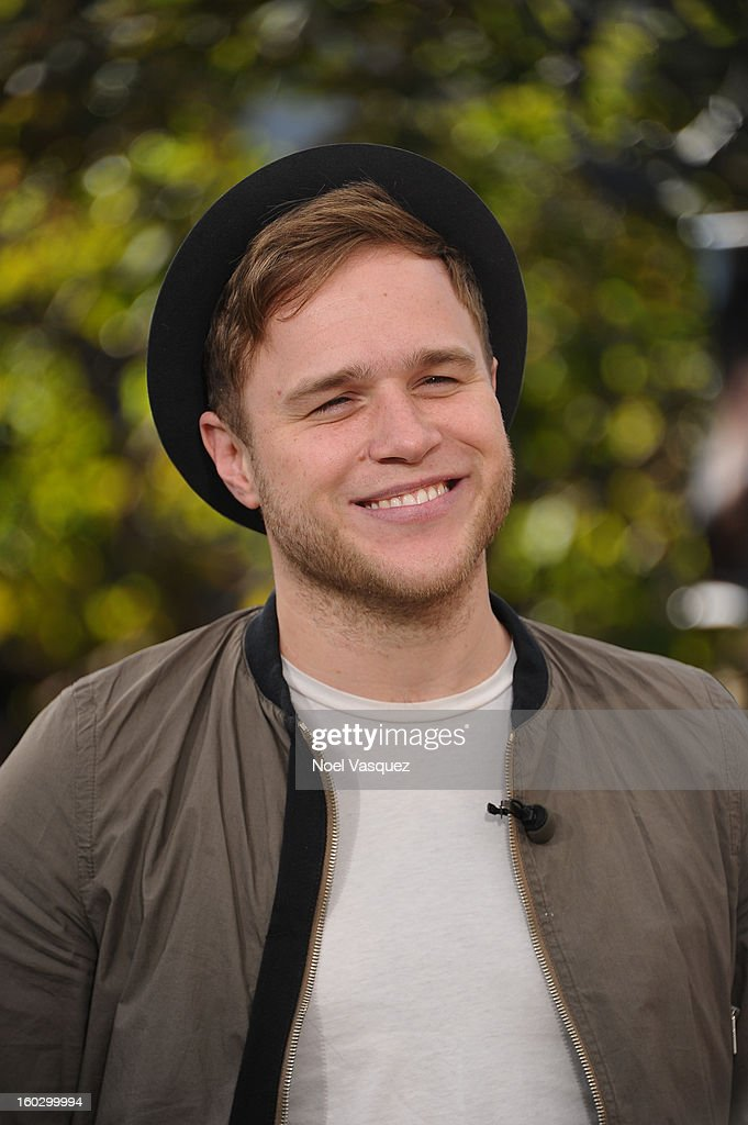 <a gi-track='captionPersonalityLinkClicked' href=/galleries/search?phrase=Olly+Murs&family=editorial&specificpeople=6350751 ng-click='$event.stopPropagation()'>Olly Murs</a> visits Extra at The Grove on January 28, 2013 in Los Angeles, California.