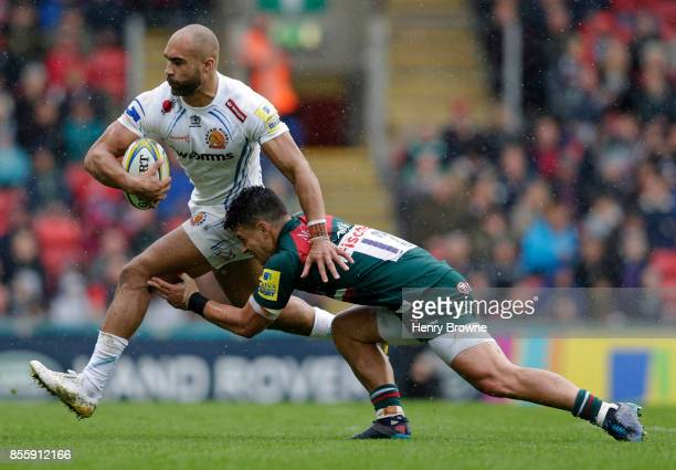 Olly Woodburn of Exeter Chiefs and Matt Toomua of Leicester Tigers during the Aviva Premiership match between Leicester Tigers and Exeter Chiefs at...