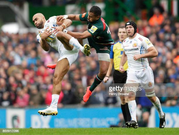 Olly Woodburn of Exeter Chiefs and Telusa Veainu of Leicester Tigers during the Aviva Premiership match between Leicester Tigers and Exeter Chiefs at...
