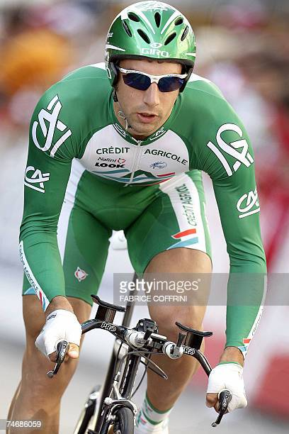 France's William Bonnet rides on his way to placed 4th 16 June 2007 during the prologue of the 71th 'Tour de Suisse' UCI protour cycling stage race a...