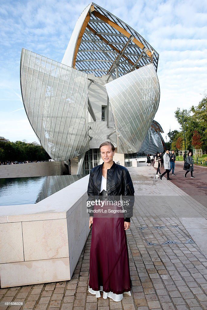 Louis Vuitton : Arrivals - Paris Fashion Week Womenswear Spring/Summer 2016