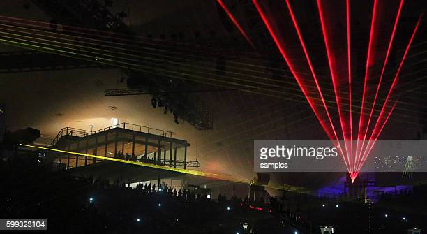 Olympiahalle bei der Lasershow Motorsport ADAC supercross Olympiahalle Muenchen