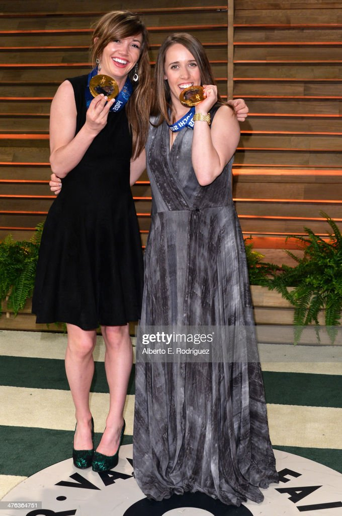 Olympians <a gi-track='captionPersonalityLinkClicked' href=/galleries/search?phrase=Kaitlyn+Farrington&family=editorial&specificpeople=4700585 ng-click='$event.stopPropagation()'>Kaitlyn Farrington</a> (L) and <a gi-track='captionPersonalityLinkClicked' href=/galleries/search?phrase=Maddie+Bowman&family=editorial&specificpeople=8052656 ng-click='$event.stopPropagation()'>Maddie Bowman</a> attend the 2014 Vanity Fair Oscar Party hosted by Graydon Carter on March 2, 2014 in West Hollywood, California.
