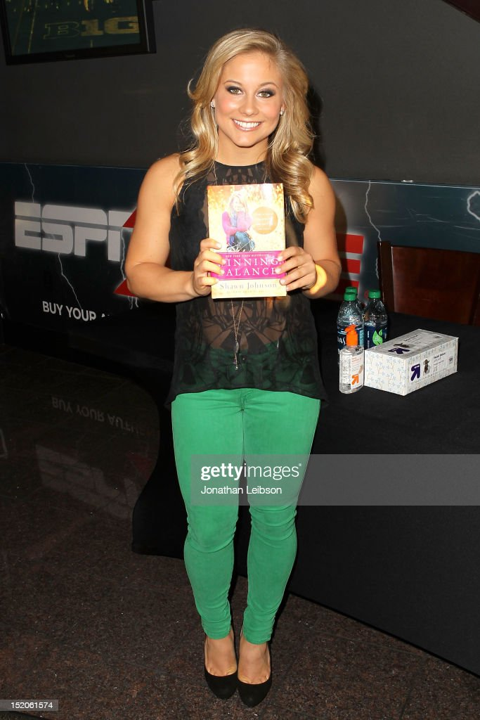 Olympic gold medal winner Shawn Johnson signs copies of her new book 'Winning Balance' at ESPN Zone At L.A. Live on September 15, 2012 in Los Angeles, California.